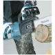 Sierra de cadena eléctrica Makita UC4050A 2.000W corte de 40 cm. cortando