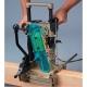 Escopleadora de cadena Makita 7104L 1140 W 3200 rpm rebajando viga