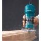 Fresadora de cantos Makita 3709 con pinza de 6 mm y 30.000 rpm fresando