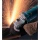 Amoladora Makita de 180 mm 2000 W GA7050 cortando