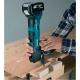 Multiherramienta Makita DTM51Z 18V Litio cortando madera