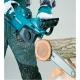 Electrosierra Makita UC4041A 220 V 1.800 W corte 40 cm cortando arbol